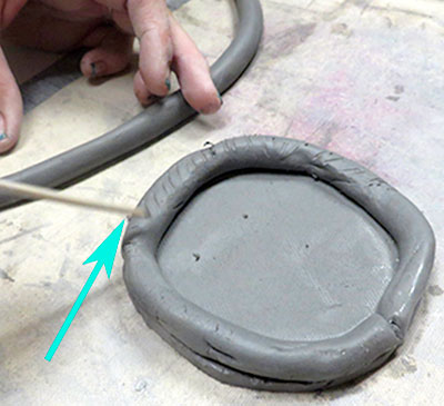 coiled pot 4 - سفالگری بدون چرخ
