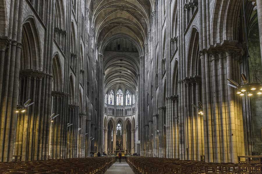 gothic architecture church - سیر تحول مفهوم فلسفه ی زیبایی از یونان باستان تا عصر روشنگری