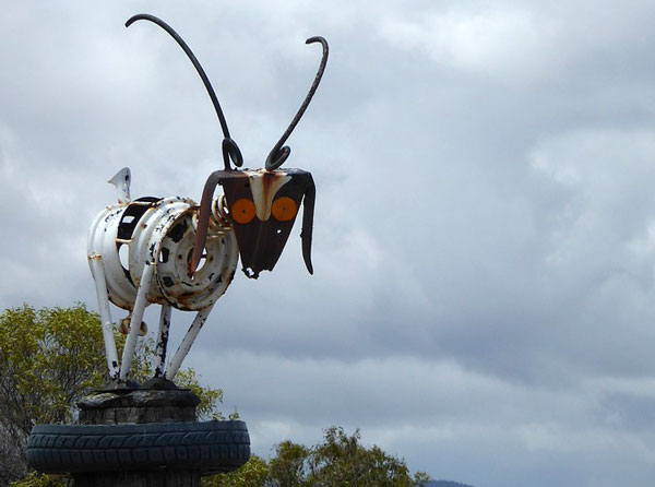 recycled sculpture - مجسمه سازی با ضایعات