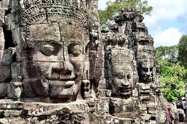 Angkor Thom Cambodia - پیشینه مجسمه سازی