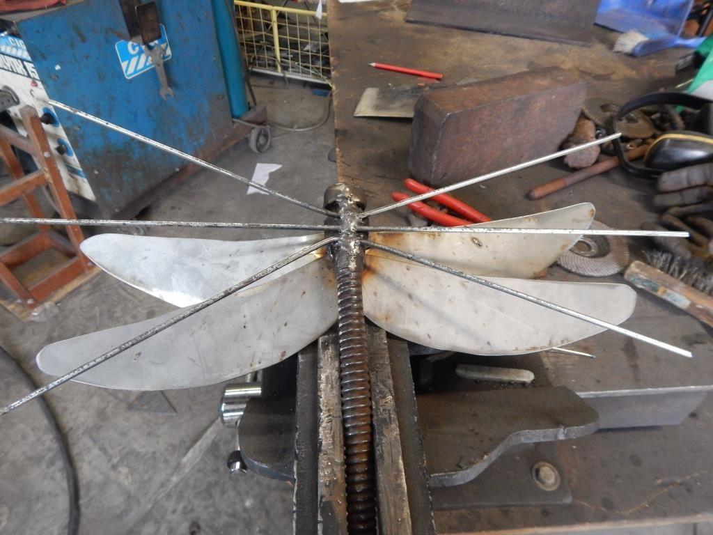 Dragonfly 10 - مراحل ساخت مجسمه فلزی سنجاقک