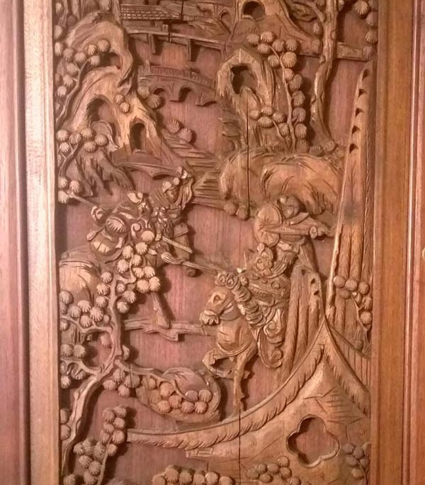 Teak wood carving Taiwan 600x684 - تفاوت منبت کاری با معرق کاری چیست؟