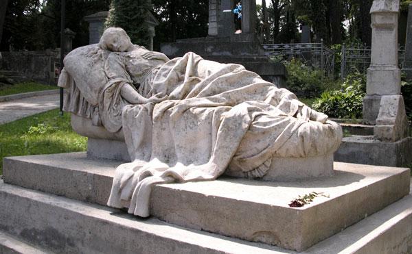 Tomb sculpture - تاملی در رابطه معماری و مجسمه سازی