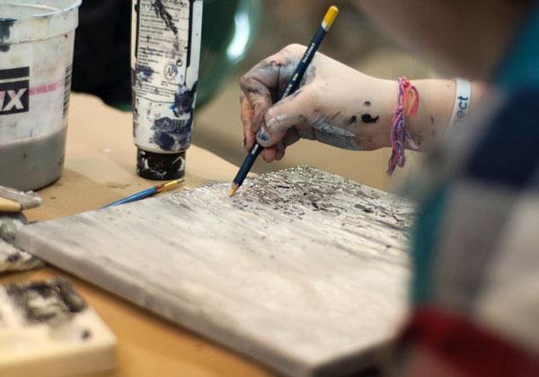 honar mazaya - مزایای هنر و زندگی هنری