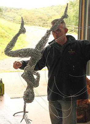 wired sculpture 11 - نحوهی ساخت مجسمههای سیمی