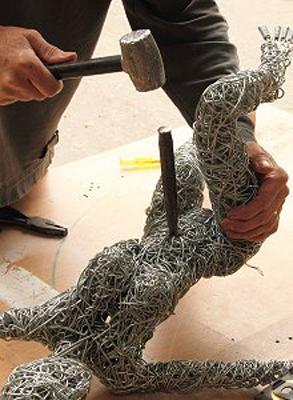 wired sculpture 14 - نحوهی ساخت مجسمههای سیمی