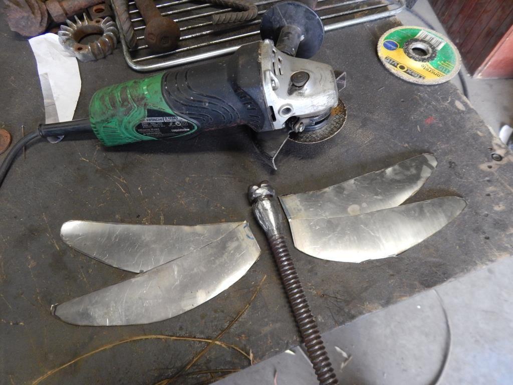 Dragonfly 8 - مراحل ساخت مجسمه فلزی سنجاقک