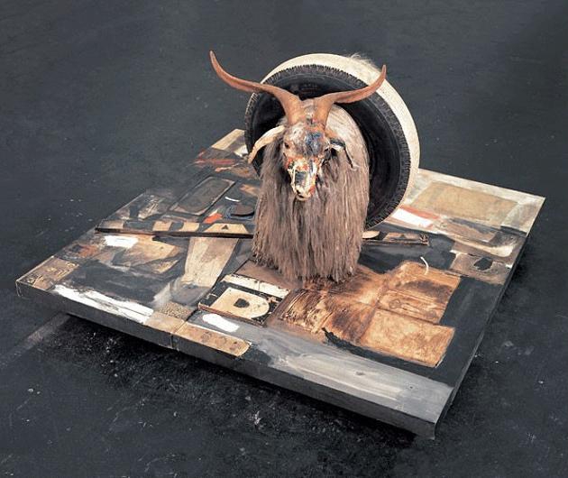 Robert Rauschenberg's - مجسمه انتزاعی