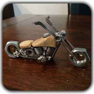 مجسمه فلزی دکوری موتور