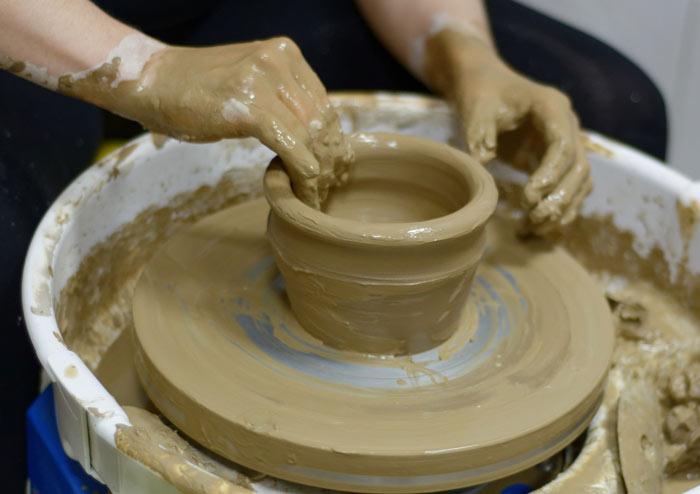 ceramics - گل سفالگری و انواع آن