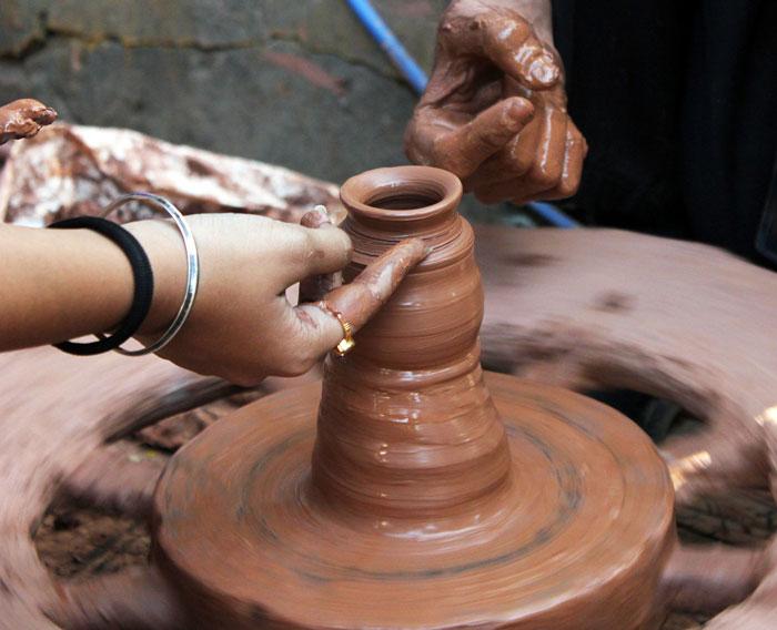 pottery - گل سفالگری و انواع آن